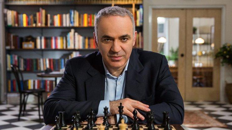 Kaszparov visszatér a sakkasztalhoz