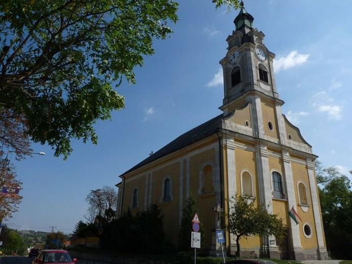 Statikailag megerősítik a bicskei katolikus templom tornyát