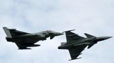 Elköltöztetik a magyar vadászgépeket