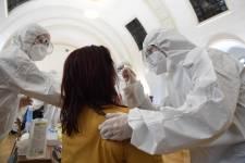 1183 új fertőzött az elmúlt három napban, 20 beteg elhunyt, nőtt a lélegeztetőgépen lévők száma