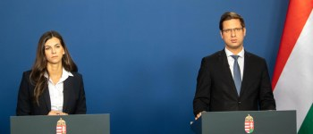 Korlátozásokat jelent be Gulyás Gergely - Kormányinfó percről percre