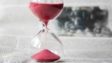 Tisztázza az ITM, hogy hogyan kell számolni a munkaidőt és a munkabért