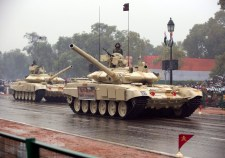 Banán híján: Obama végigkérődzte az indiai katonai díszszemlét