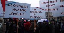 Valódi béremelést követel a pedagógusoknak a Jobbik