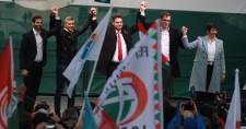 Az összefogás fontosságát hangsúlyozva kezdte meg kampányát az ellenzék 2022-re