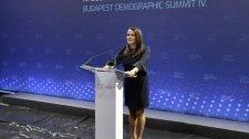 Állam- és kormányfők a demográfiai csúcson
