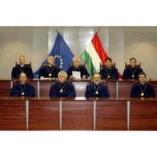 Alkotmánybíróság: harcos határozatok!