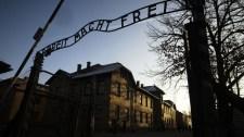 Ismeretlen vandálok kilenc barakott graffitiztek össze azauschwitzi emlékmúzeumban