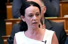 Szabó Tímea az ördögöt is jó szívvel ajánlaná, ha le tudná váltani Orbánt