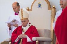 Ferenc pápa a kereszt jelentőségéről beszélt az Eperjesen bemutatott görögkatolikus liturgián
