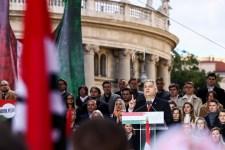 Orbán a 15 évvel ezelőtti vérengzést idézte fel, de arról hallgatott, hogy miért nem büntették meg a felelősöket