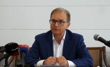 """Tóth Csaba visszalép, és nem érti, hogy ha egy """"karlendítéses"""" jelölt mellett kiáll a pártelnök, az ő kezét miért engedte el"""