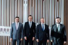 Szijjártó a Szövetség vezetőivel való találkozó után: Remélem, hogy meg fogják tudni valósítani a beléjük fektetett reményt