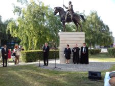 Felemelő ünnepséggel emlékeztek Szent István államalapító királyunkra Komáromban