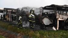 Buszok égtek szénné egy dunavarsányi telephelyen – fotók