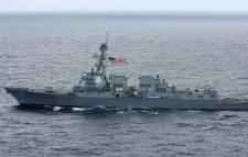 Amerikai romboló határsértését akadályozta meg egy orosz hadihajó