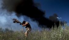 Ukrán csapatok lövetik Luhanszkot és Donyecket