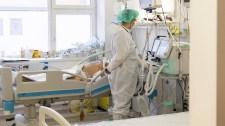 Keddi járványadatok: 455 új fertőzöttet regisztráltak, elhunyt 17 beteg