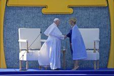 Ferenc pápa mai pozsonyi programja – Képekkel