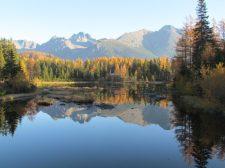 Vizsgálódik a Tátrai Nemzeti Park: lengyel turisták úsztak a védett Csorba-tó vizében