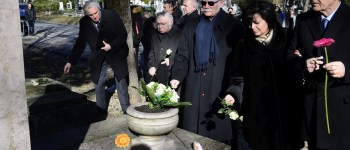 Budapest ostromának civil áldozataira emlékeztek a Farkasréti temetőben - a szovjet barbárság megidézése helyett buzgó nyilasozással