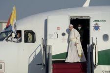 Ferenc pápa megérkezett Budapestre
