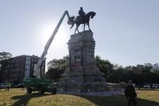 Eltávolították Lee tábornok lovasszobrát Virginia állam fővárosában