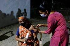 Indiában jóváhagyták a világ első, DNS-alapú koronavírus vakcináját