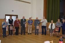 Az Egyházasbásti Nyugdíjasklub tagjai ezúttal is ünnepeltek, énekeltek és táncoltak (képekkel)