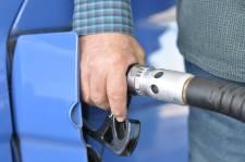 Itt a félezer forintos benzin, de tehet-e róla és ellene a kormányzat?