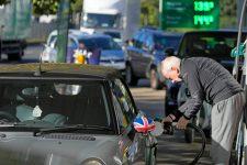 Johnson: alig jelentkeznek a külföldi kamionsofőrök nagy-britanniai munkavégzésre