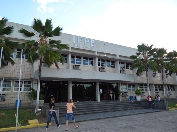 Ministro libera recursos para construção do Campus do IFPE de Paulista