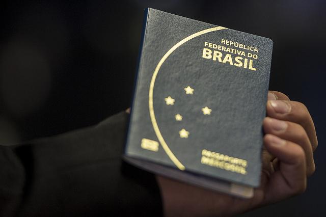 Em 7 anos, número de brasileiros que deixaram o país subiu 160%