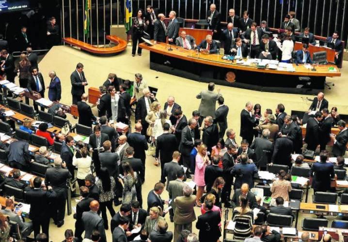 Fundo eleitoral tira R$ 70 milhões de verbas para saúde