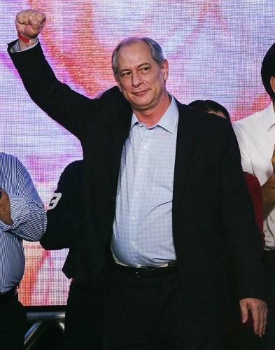 Após condenação de Lula, esquerda encerra trégua