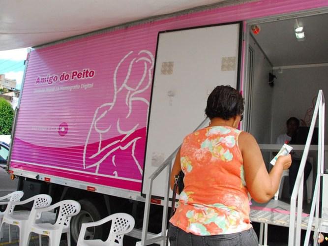 Ação que realiza mamografias gratuitas em bairros do Recife oferece 3.400 vagas em março