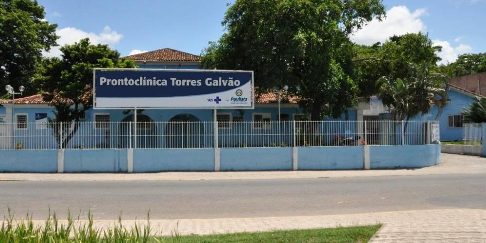 Idoso mostra indignação com Prontoclínica Torres Galvão em Paulista