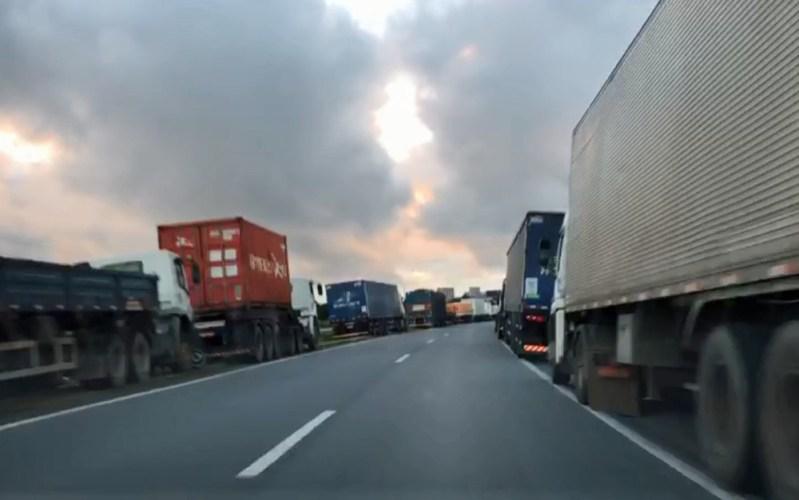 Caos dos combustíveis: Pernambuco decreta situação de emergência