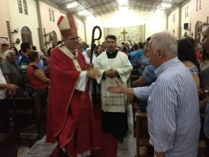 Nena Cabral participa de missa de nomeação do vigário episcopal de Paulista