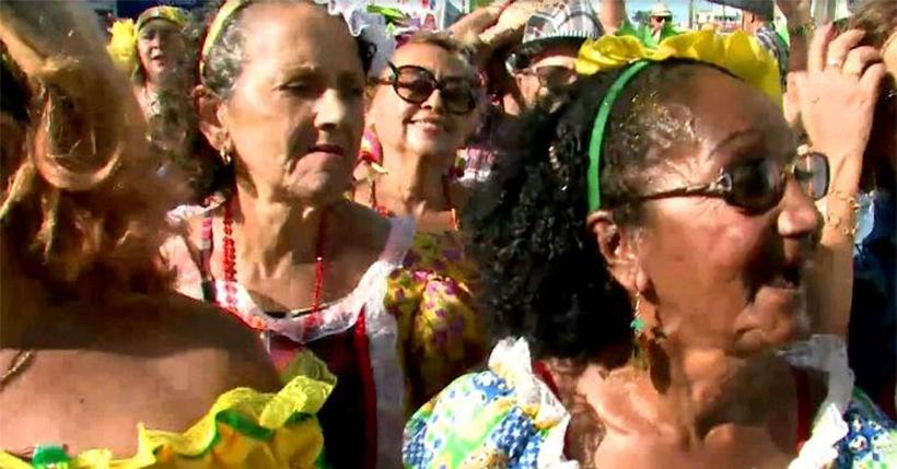 'Poderosas do Janga' de desfilam para combater a violência contra o idoso
