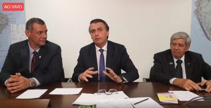 """NA MÃO DO PRESIDENTE : Espero que reforma não seja """"desidratada"""" no Congresso, diz Bolsonaro"""