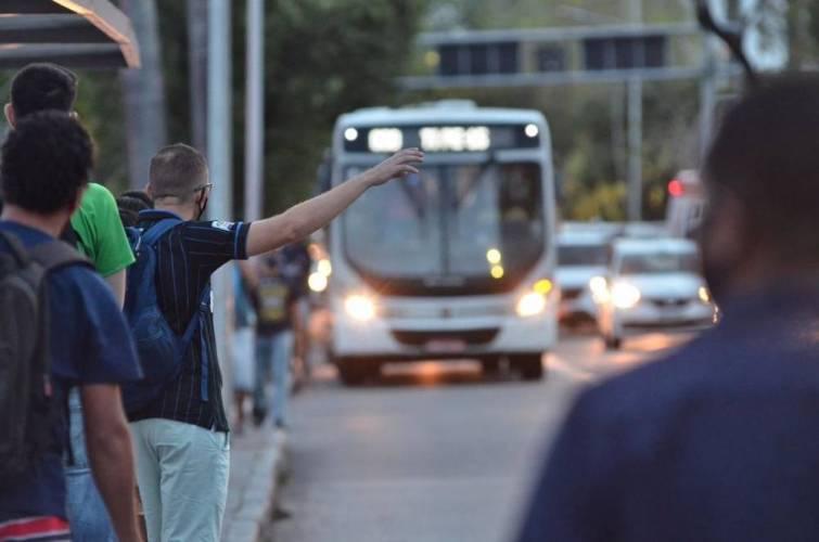 Frota de ônibus terá reforço na RMR para domingos do Enem; veja linhas