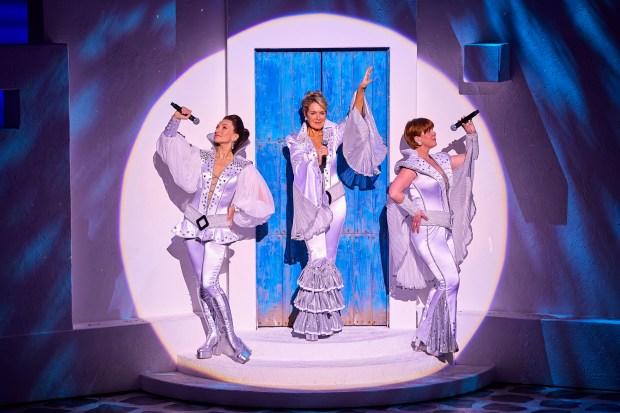 Emma Clifford (Tanya), Helen Hobson (Donna Sheridan) and Gillian Hardie (Rosie) in MAMMA MIA! UK Tour 2017 Photo by Brinkhoff M+Âgenburg (2)_