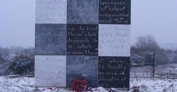 walter-tull-memorial-8392027101-fb