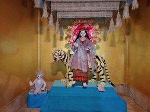 আসাম: হিজাই ৩, ডিব্রুগড়ে দুর্গাপূজা উদযাপনকে স্যাঁতসেঁতে বৃষ্টি