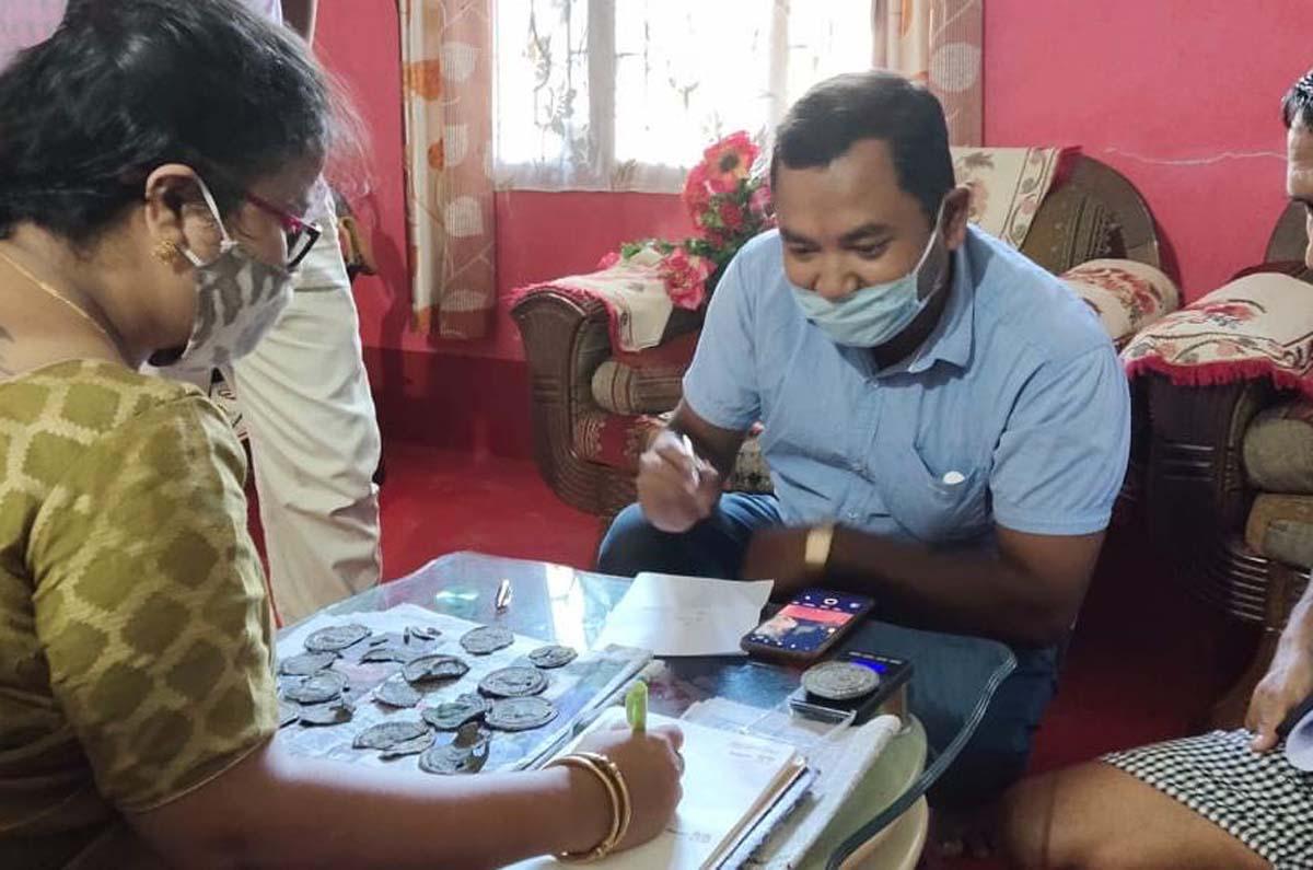 আসাম: জোড়াহাট জেলা জাদুঘরটি শিবাসাগর 3 থেকে বিরল পুরানো 'বার্মিজ কয়েন' অর্জন করেছে