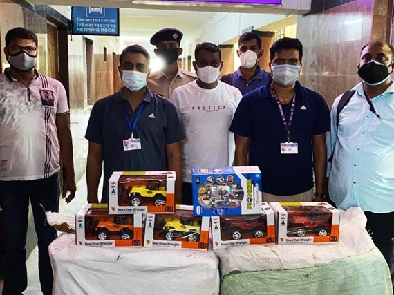 RPF of NF Railway rescues minor girl from train; recovers Chinese toys, stolen railway materials 2