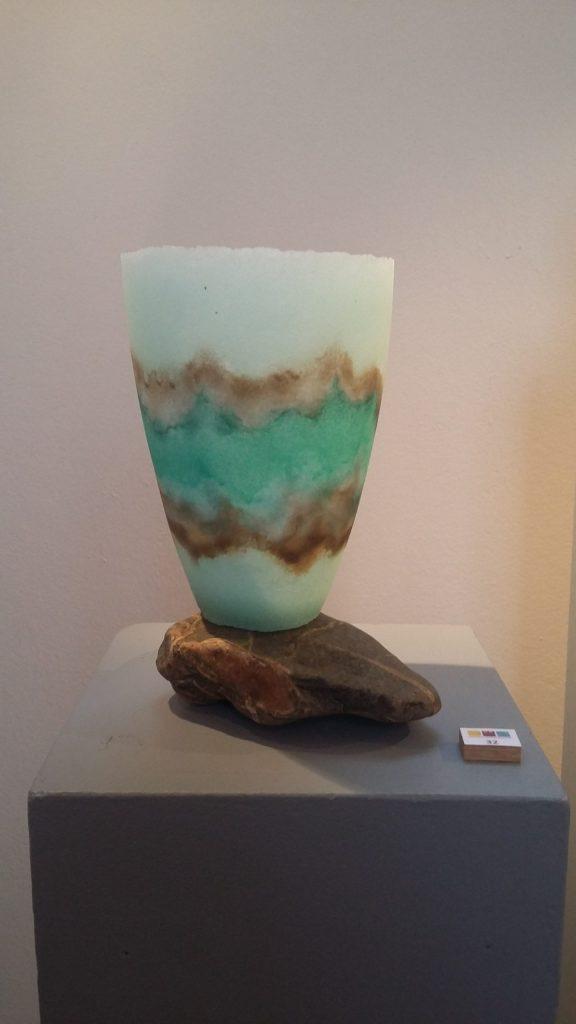 Maso III - Pate de verre - vaas op maaskei