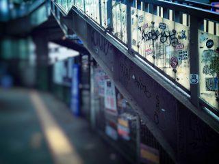 【高解像度】落書きのある歩道橋