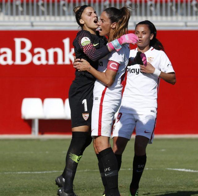 El Sevilla FC Femenino, celebrando un gol en el encuentro ante el Sporting Club Huelva. Imagen: SevillaFC.es